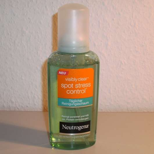 Neutrogena Visibly Clear Spot Stress Control Täglicher Reinigungsschaum