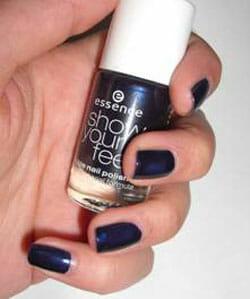 essence show your feet Nagellack, Farbe: 02 deep blue sea
