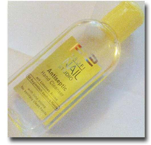 p2 Profi Nail Studio Antiseptic Hand Cleanser