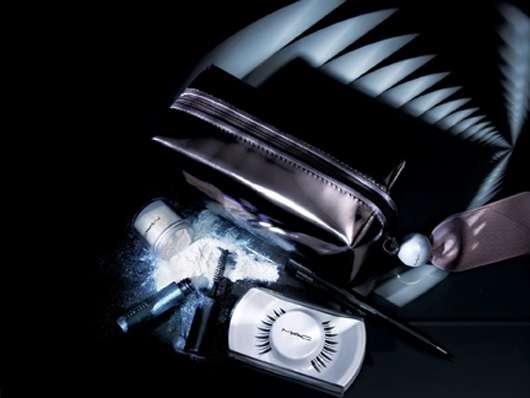 M·A·C Cosmetics LOVES DIVINE LASH KIT