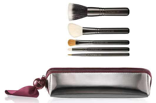 M·A·C Cosmetics DO-THE-TRICK BUFF AND LINE BRUSHES, Quelle: Estée Lauder Companies GmbH / M·A·C Division