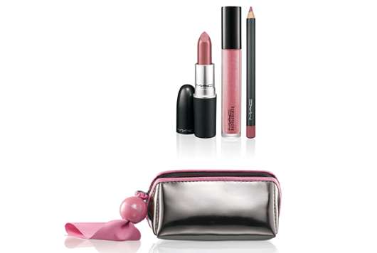 M·A·C Cosmetics PUT A SPELL ON YOU PINK LIP BAG, Quelle: Estée Lauder Companies GmbH / M·A·C Division