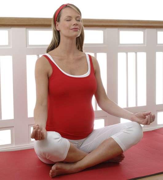 """Yogaübung """"Meditative Haltung"""", Quelle: Apotheker Walter Bouhon GmbH"""