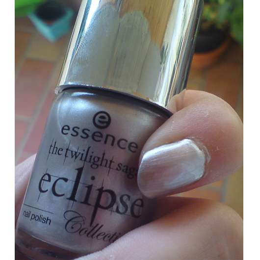 essence eclipse collection nailpolish, Farbe: 04 Hide Bella hide!