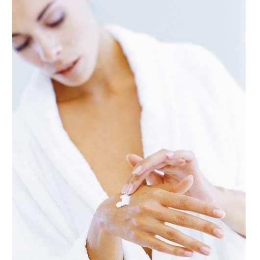 Preval Lipogel pflegt Hände gesund