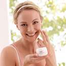 Eucerin® pH5 schützt vor dem Eindringen von Aeroallergenen in die Haut!