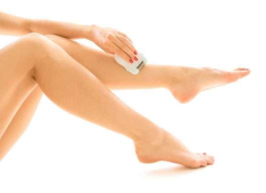 Zupfen, rasieren, peelen: Wie die Haut Enthaarungsstrapazen besser übersteht