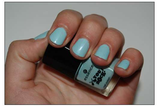 essence you rock nail polish, Farbe: speed of light blue (Limited Edition)