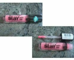 Produktbild zu essence stay with me longlasting lipgloss – Farbe: 01 me & my icecream