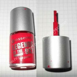 Produktbild zu essence legends of the sky nail polish – Farbe: 05 take my red away (LE)