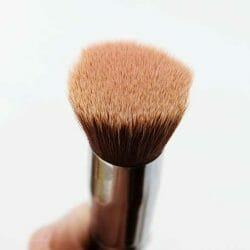 Produktbild zu lenibrush Flat Top Kabuki LBF01