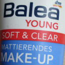 BALEA YOUNG Soft & Clear Mattierendes Make-Up, Nuance: 02 Beige