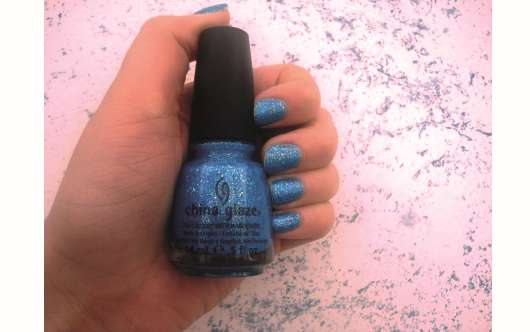 China Glaze Nail Lacquer With Hardeners, Farbe: 810 Blue Hawaiian