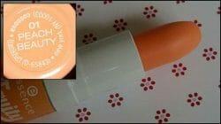 Produktbild zu essence fruity lip balm – Farbe: 01 peach beauty (LE)