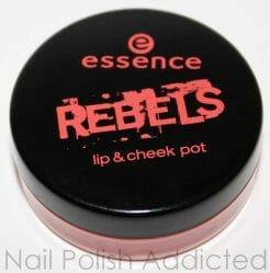 Produktbild zu essence rebels lip & cheek pot – Farbe: 01 peach punk (LE)