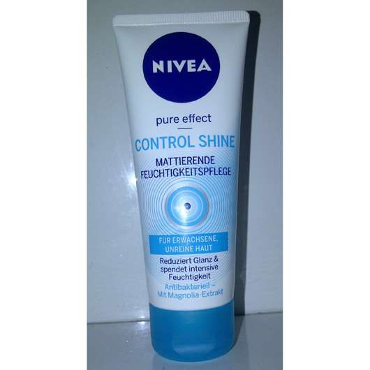 <strong>NIVEA PURE EFFECT</strong> Control Shine Mattierende Feuchtigkeitspflege
