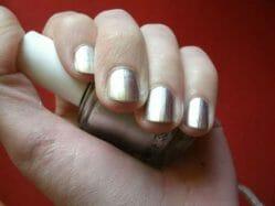 Produktbild zu essie Nagellack – Farbe: No Place Like Chrome (mirror metallics LE)