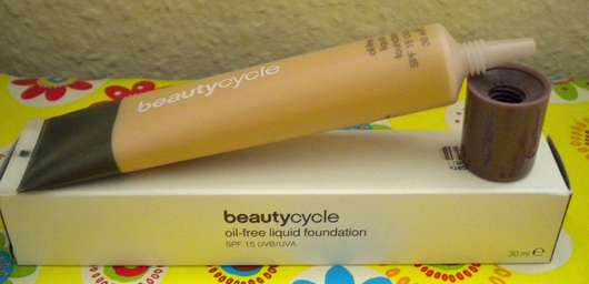 <strong>beautycycle colour</strong> oil-free liquid foundation - Nuance: light 30