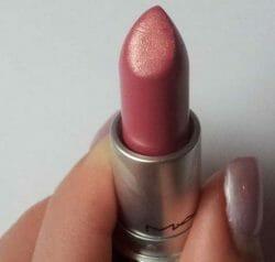 Produktbild zu M·A·C Lipstick – Farbe: Creme de la Femme
