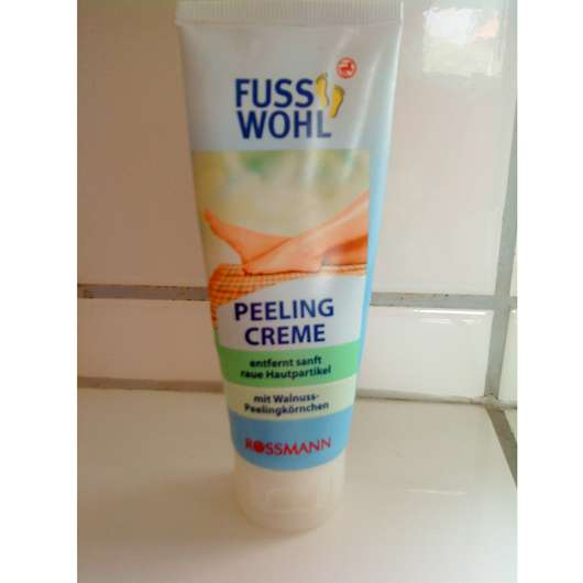 <strong>FUSSWOHL</strong> Peeling Creme mit Walnuss-Peelingkörnchen