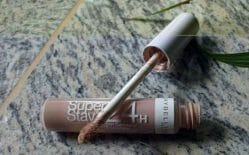 Produktbild zu Maybelline New York Superstay 24H Concealer – Farbe: 02 Light / Beige Clair
