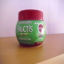 Produktbild zu Garnier Fructis Tiefen-Aufbau Farbschutz-Kur