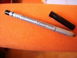 Produktbild zu Maybelline New York Expression Eyebrow Natural Precision Eyebrow Liner – Farbe: 01 Black