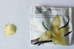 Produktbild zu Dresdner Essenz Wellness Baden Beruhigende Badeessenz Vanille/Sandelholz