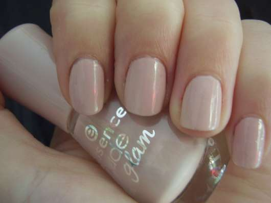 essence nude glam nail polish, Farbe: 04 iced latte