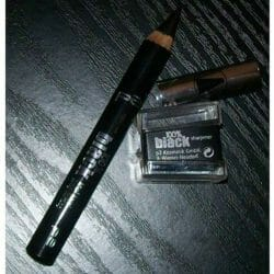 Produktbild zu p2 cosmetics 100% black khol kajal long lasting  – Farbe: 010 blackest black