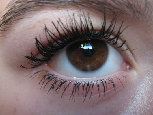 essence I love extreme volume mascara