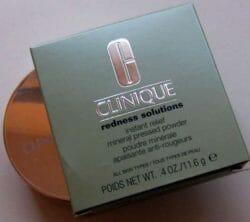 Produktbild zu Clinique Redness Solutions Instant Relief Mineral Pressed Powder