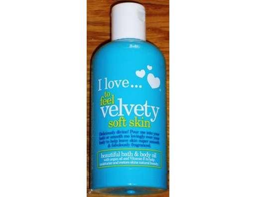 I love… to feel velvety soft skin beautiful bath & body oil (LE)