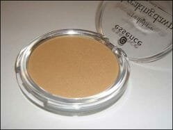 Produktbild zu essence the twilight saga: breaking dawn – part 2 shimmer powder – Farbe: 01 bella's secret (LE)