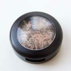 Produktbild zu M·A·C Mineralize Eye Shadow – Farbe: Silver Birch (LE)