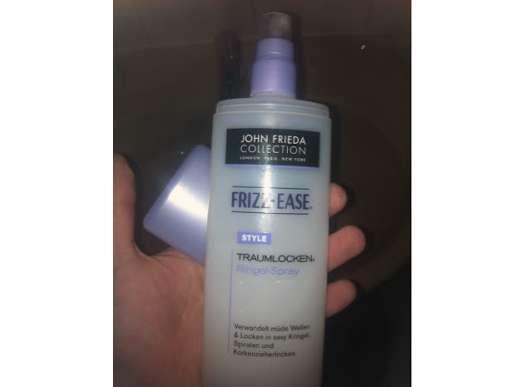 <strong>JOHN FRIEDA® FRIZZ EASE</strong> Traumlocken Styling Spray