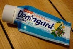 Produktbild zu Dentagard Frisches Weiß Zahncreme