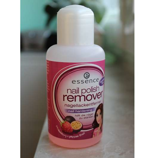 essence nail polish remover nail hardening (strawberry + passion fruit)