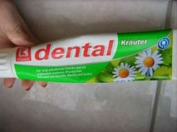Produktbild zu K Classic Dental Kräuter Zahncreme