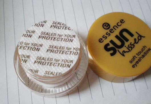 essence sun kissed soft touch eyeshadow, Farbe: 02 my sunny side (LE)