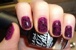 Produktbild zu L.A. Girl glitter addict nail polish – Farbe: uninhibited