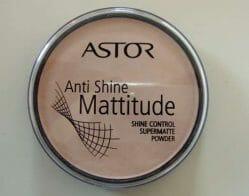 Produktbild zu ASTOR Mattitude Anti Shine Powder – Farbe: 002 Porcelain