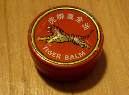 <strong>Tiger Balm</strong> Weiss