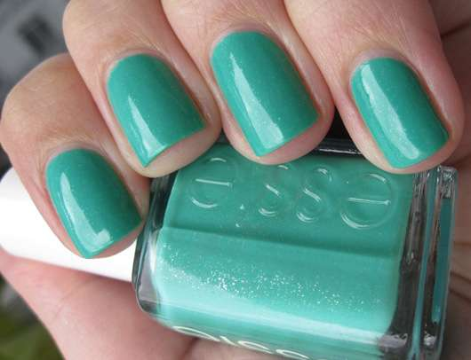 essie Nagellack, Farbe: naughty nautical (Sommer-Kollektion 2013)