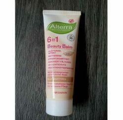 Produktbild zu Alterra Naturkosmetik 6in1 Beauty Balm – Farbe: Hell