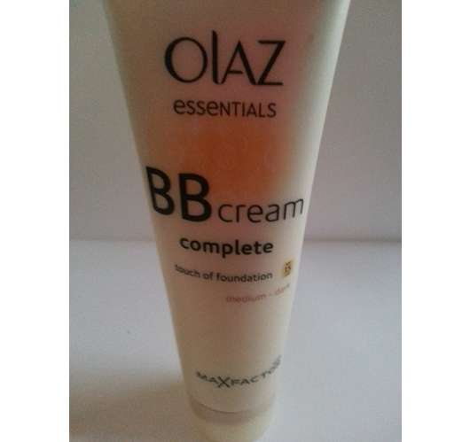 Olaz Essentials Complete BB Cream Touch of Foundation, Nuance: medium – dark