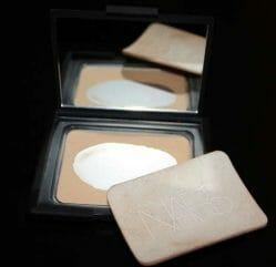 Produktbild zu NARS Pressed Powder – Farbe: Beach