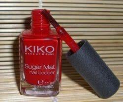 Produktbild zu KIKO Sugar Mat Nail Lacquer – Farbe: 632 True Red
