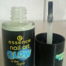 essence nail art GLOW in the night nail polish