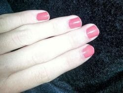 Produktbild zu Maybelline New York Colorshow By Colorama Nagellack – Farbe: 110 urban coral